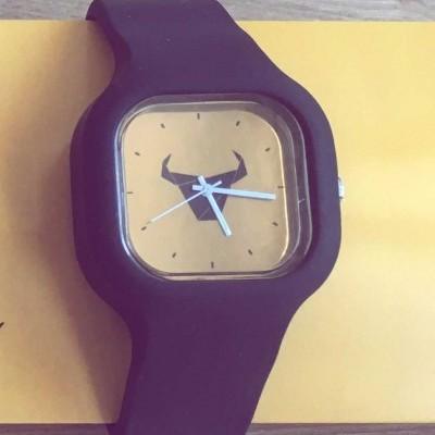"""Relógio """"Toiro"""" / Rapariga"""