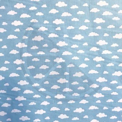 Nuvens fundo azul