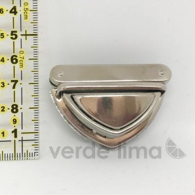 Fecho de encaixe triangular