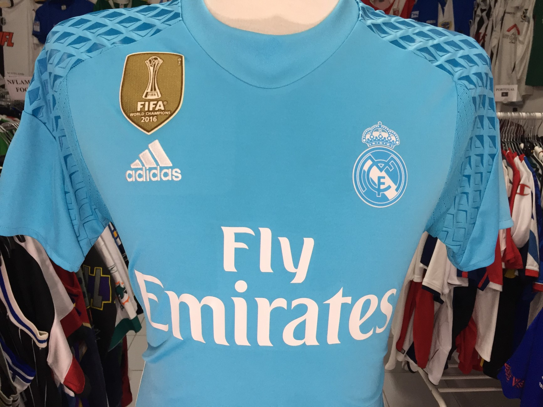 ddae9363d9e81 Real Madrid Goalkeeper Shirt 2016-17 (S) Adidas Camiseta Portero ...