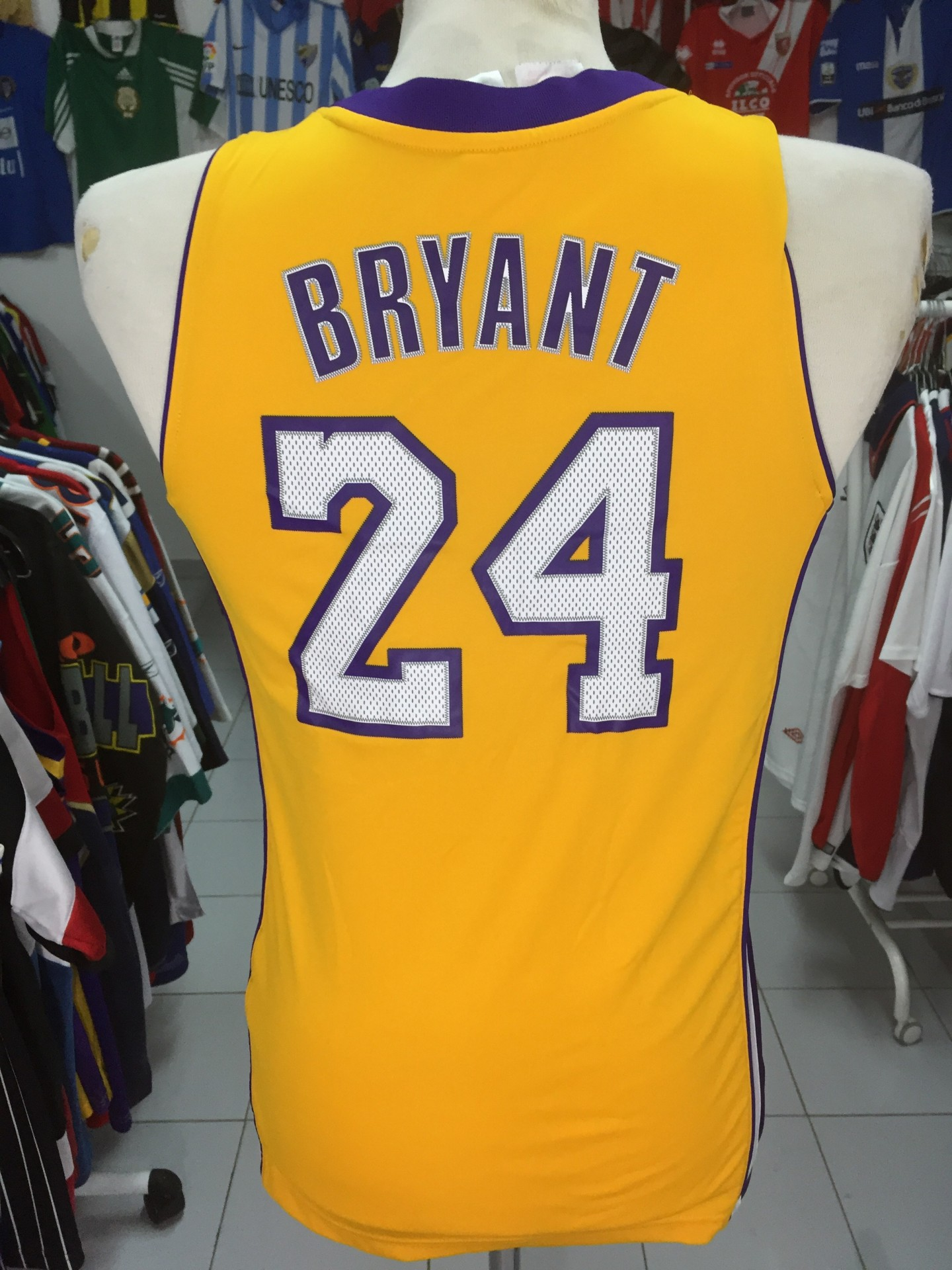 LA Los Angeles Lakers Jersey Shirt 2013 Kids  24 Bryant NBA Camisola ... 38659b33e