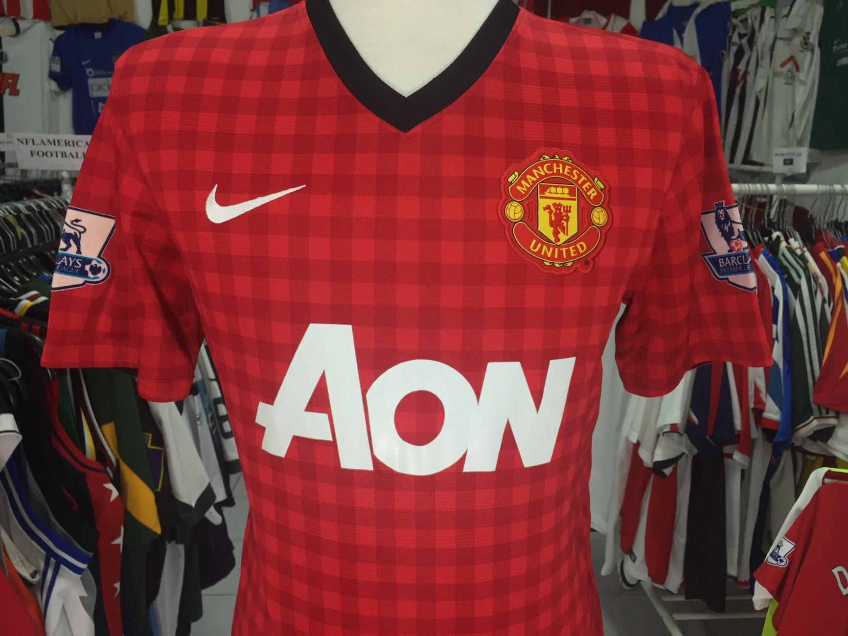 aa4df5535f4 Manchester United Football Shirt 2012 13