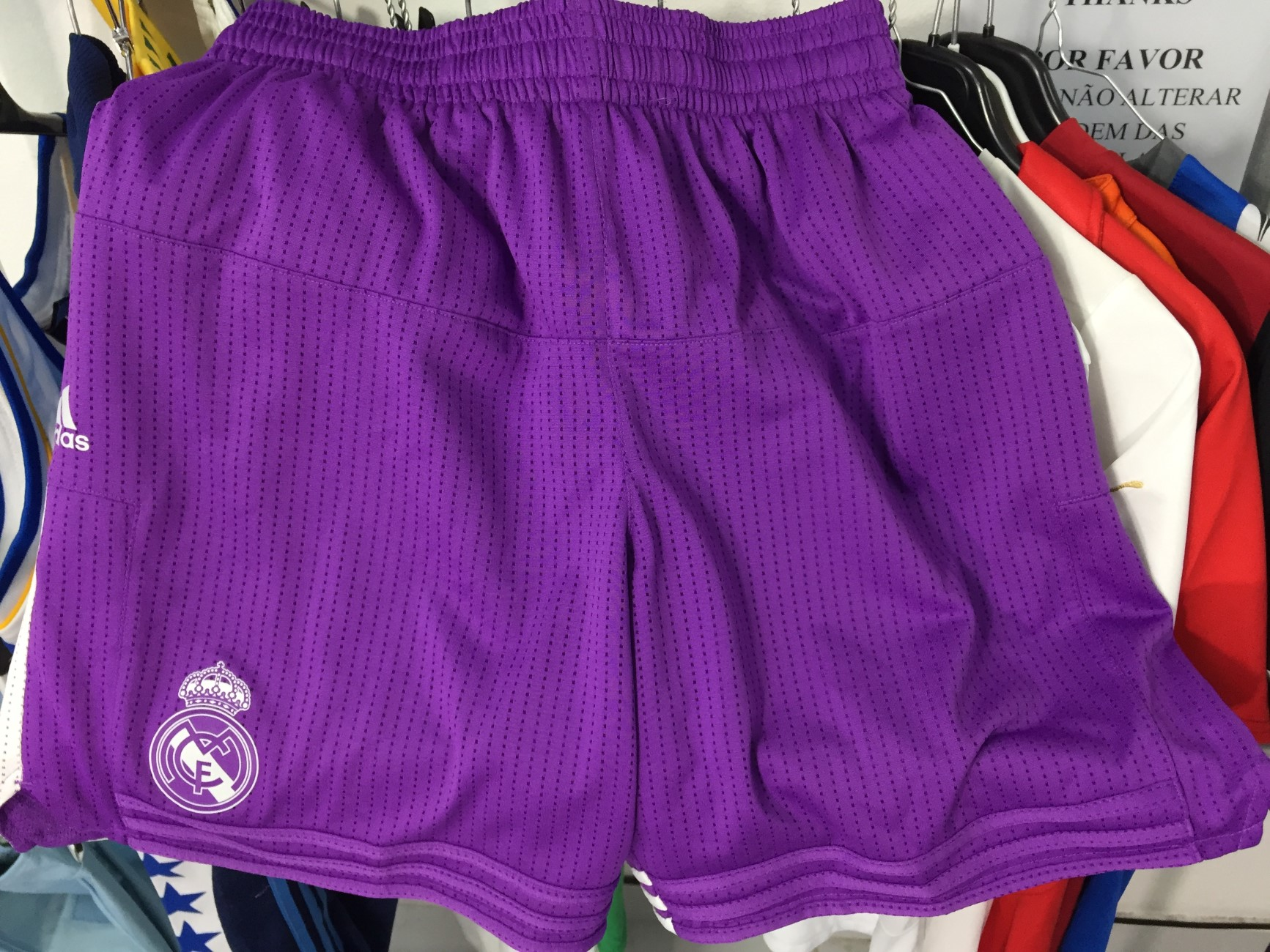 5f97ef78221c Real Madrid Basketball Shorts 2016 17 (M) Adidas Calçoes Basquetebol ...