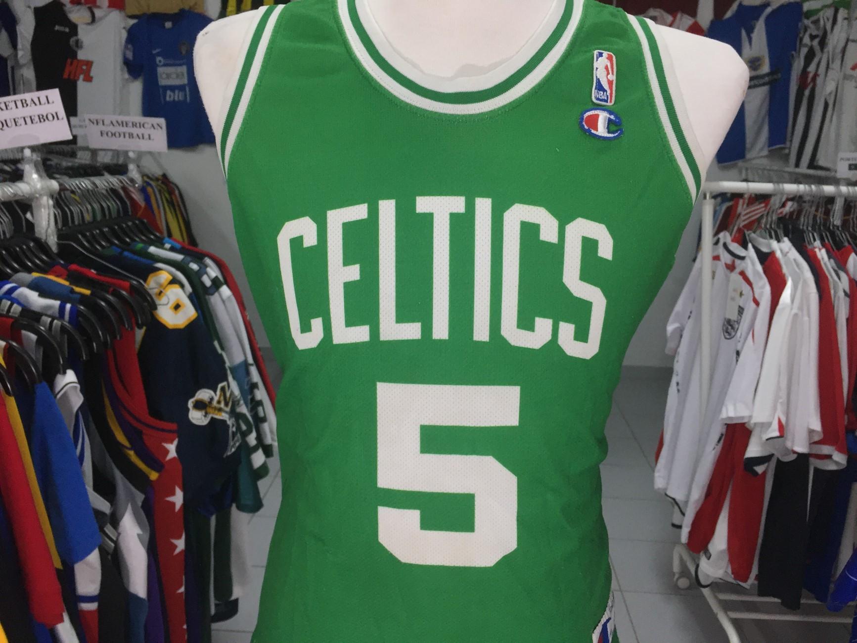 7a598552a5b4 Boston Celtics Home Jersey (S) 5 Garnett NBA Shirt Champion Camisola ...