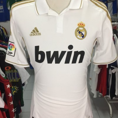Real Madrid Home Shirt 2011-12 (M)