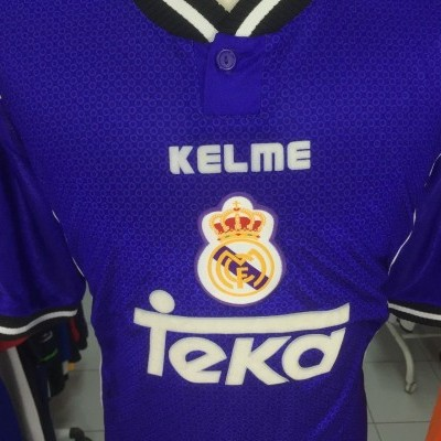 Real Madrid Away Shirt 1997-98 (XL) #22 Jersey