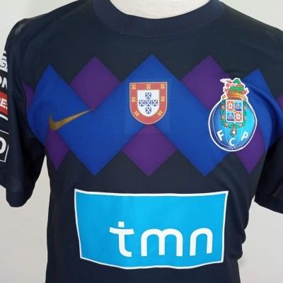 Matchworn FC Porto Away Shirt 2011-12 (L) #3 Lucho