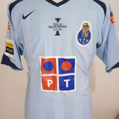 Matchworn FC Porto Away Shirt 2005-06 (L) #8 Lucho Final Cup